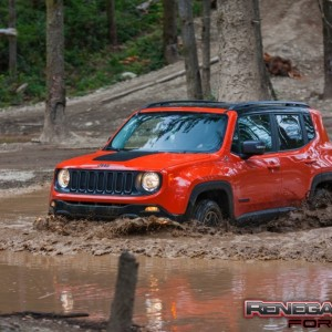 Jeep Renegade Mudding